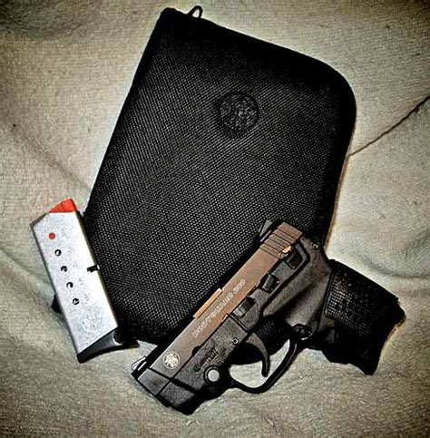 best concealed carry holster the 4 best bodyguard 380 iwb holsters concealed carry