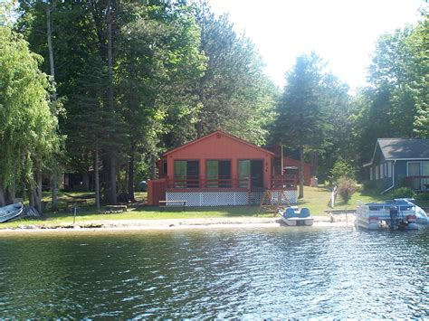 Lakefront Cottages For Rent In Michigan by Go Vacation Rental Properties Houses Condos