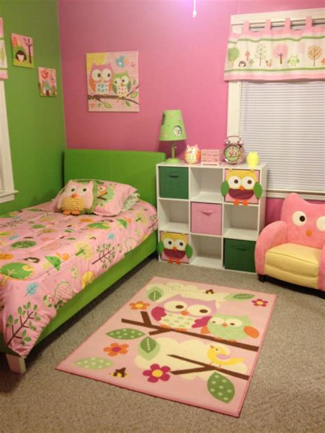 green and pink owl room this theme and color for