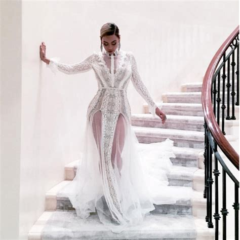 beyonce video wedding dress beyonce wears wedding dress to the grammys easy weddings
