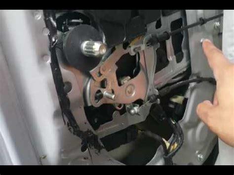 2008 kia sedona door lock actuator how to repair kia sedona sliding door doovi