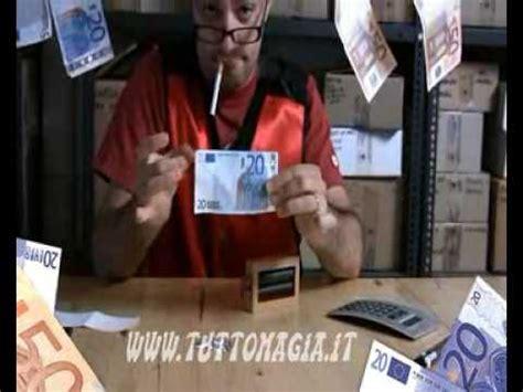 come fare soldi falsi in casa svuotare rubare soldi su distributori cambiamonete doovi