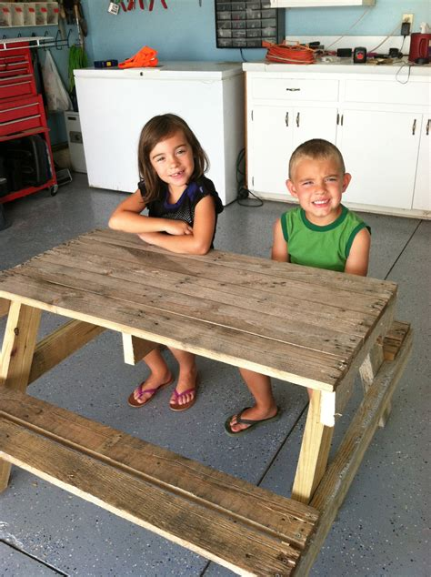 diy kids picnic table  pallet wood diy  needles