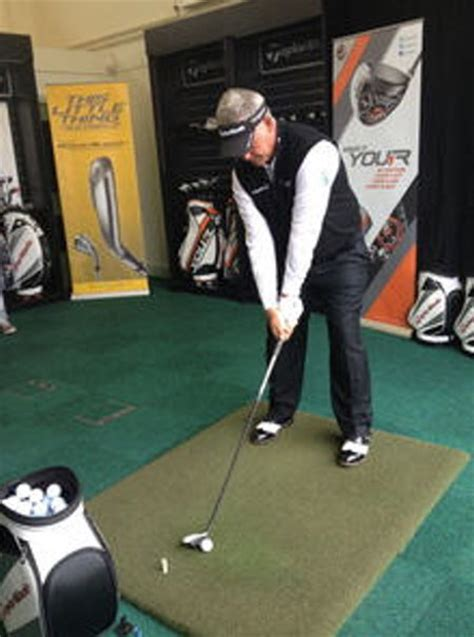 darren clarke golf swing taylormade fitting center opens darren clarke golf school