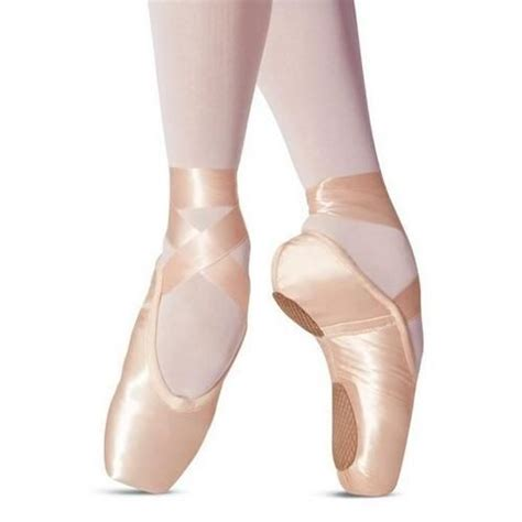 pointe shoes for pink pointe shoes ballet