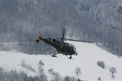 Swiss Army 3080 3 swiss and italian air in the snow