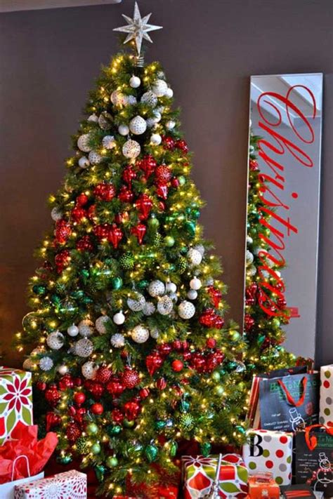 tree decoration ideas 25 creative and beautiful christmas tree decorating ideas