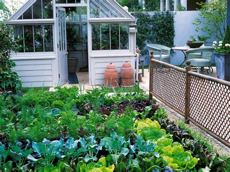 How To Make Small Kitchen Garden Ideas Small Kitchen Garden Ideas