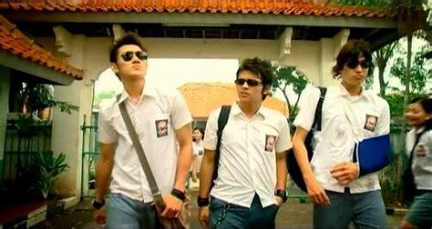 film romantis indonesia masa sma eiga rebyu catatan akhir sekolah 2005