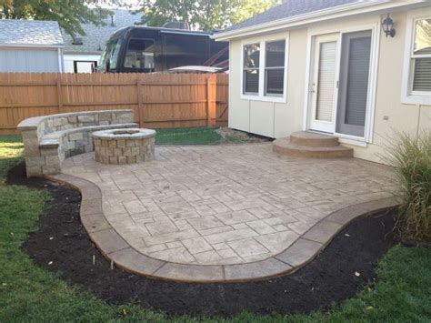 small pit for patios best 25 backyard patio ideas on patio patio decorating ideas and pit and barbecue
