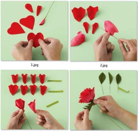 como hacer las flores de alcatras en una carpeta de gancho moldes para hacer rosas de colores con papel crepe mama