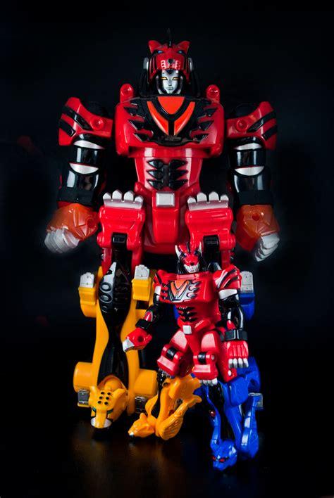 Megazord Power Rangers Jungle Fury power rangers jungle fury micro jungle pride megazord