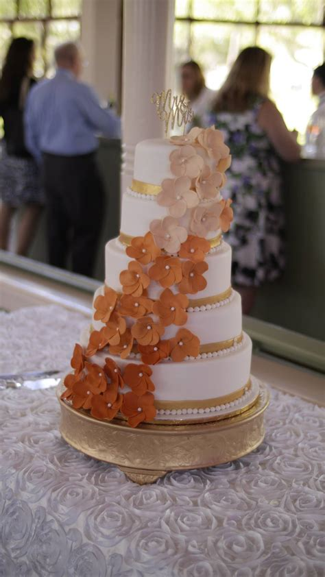 Show Me Wedding Cakes by Show Me Your Wedding Cakes