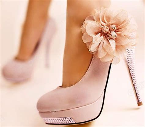 high fashion vintage bridal soft light