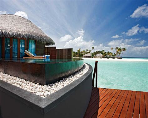 maldive bungalow feel the luxury at constance halaveli maldives resort