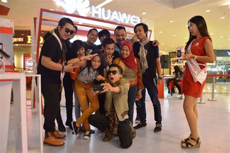 foto launching huawei y3 di plaza medan fair