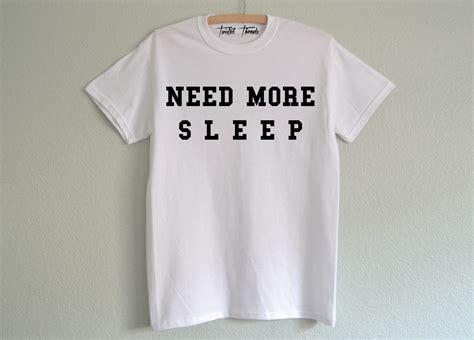 Mehr Brauchen Schlaf Shirt Crewneck Sweatshirt