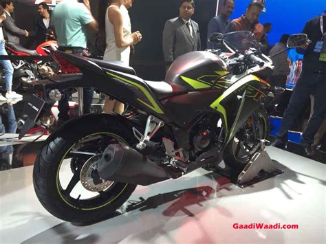 honda cbr details and price 2018 honda cbr250r launched in india price engine