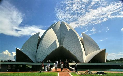 famous living architects 33 insanely famous buildings to see in your lifetime