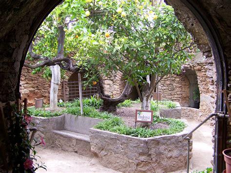Underground Patio by Amazing Forestiere Underground Gardens Were Carved