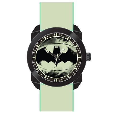 Kaos Logo Batman Glow In The batman logo with glow in the wristband