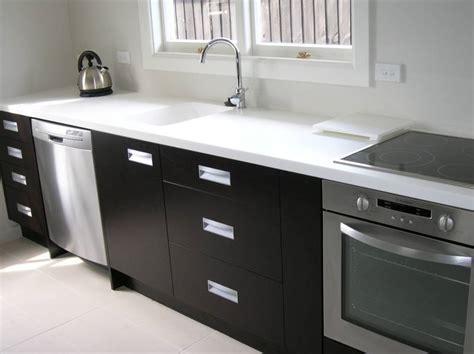White Kitchen Handles Nz Acrylic Benchtops Photo Galleries Kiwi Kitchens