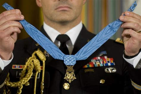 Arm Guard By Ks Moslem Store capt william swenson former soldier to receive medal of