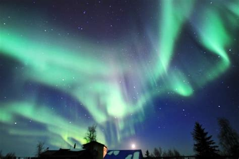 Awesome Night Lights Northern Lights 8 Yellowknife Canada Picture Of