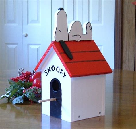 snoopy on dog house snoopy dog house plans images