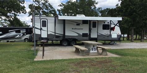 Cabins In Tulsa Ok by Cgrounds In Tulsa Ok Keystone Lake Jellystone Park