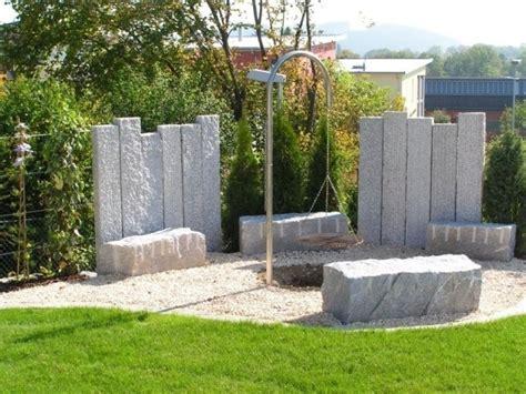sichtschutz mauer modern sichtschutz zaun oder gartenmauer