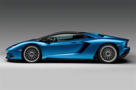 price of lamborghini aventador s roadster lamborghini aventador s roadster at 2017 frankfurt motor show pictures prices specs car