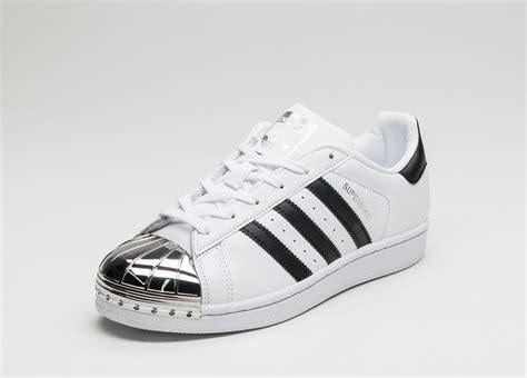 adidas superstar metal toe  ftwr white core black