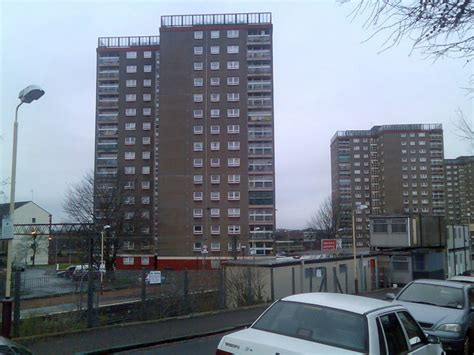 appartments uk file dalmuir highrise flats geograph org uk 648734 jpg wikimedia commons