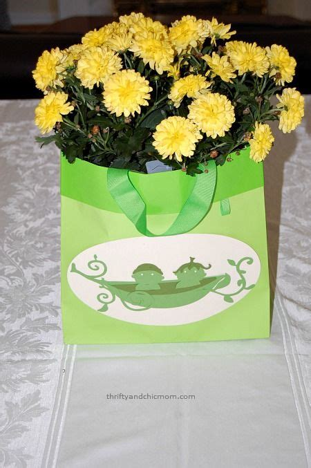baby shower centerpieces for two peas in a pod