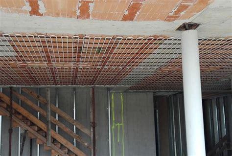 impianto riscaldamento a soffitto impianti radianti a pavimento soffitto o parete