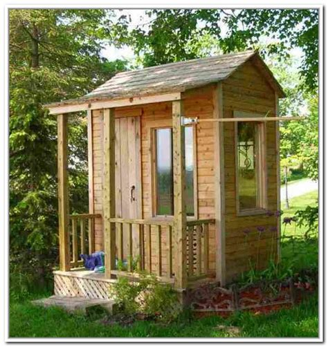 Small Backyard Storage Sheds by Small Storage Shed With Windows Play House Shed