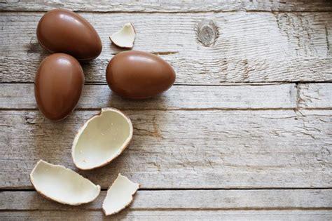 come cucinare l uovo ai bambini uovo di pasqua al doppio cioccolato ricetta