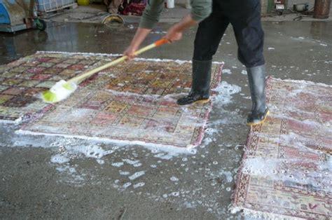 lavare un tappeto persiano lavaggio professionale ad acqua per tappeti persiani