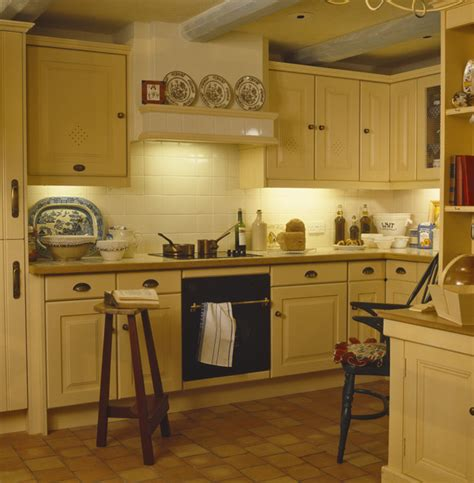 country yellow kitchens yellow kitchen photos 64 of 76 lonny