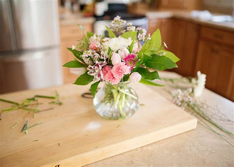 simple flower arrangements easy fresh flower arrangements