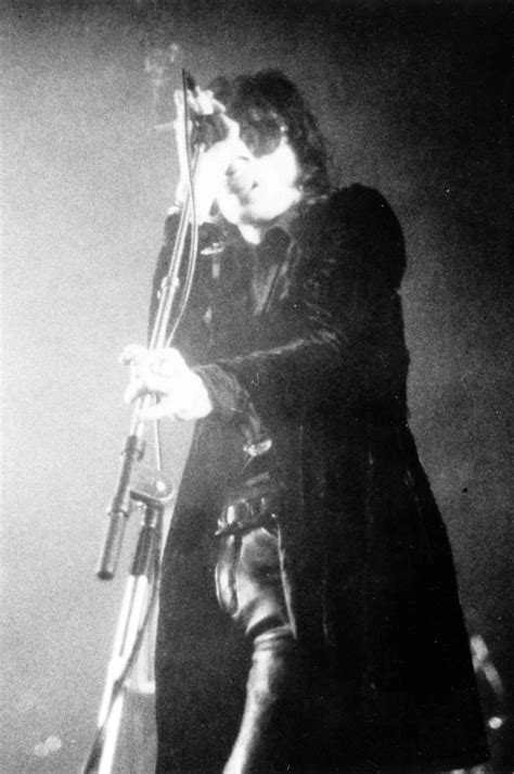DARK CIRCLE ROOM: RE-UPLOAD: The Sisters Of Mercy