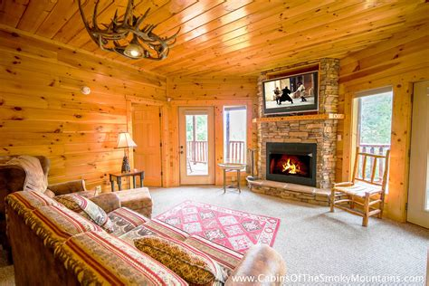 pigeon forge cabin all knotty 1 bedroom sleeps 4 pigeon forge cabin knotty but nice 4 bedroom sleeps 12