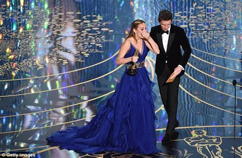 Oscar Winning Room Brie Larson High Fives Jacob Tremblay As She Won Best