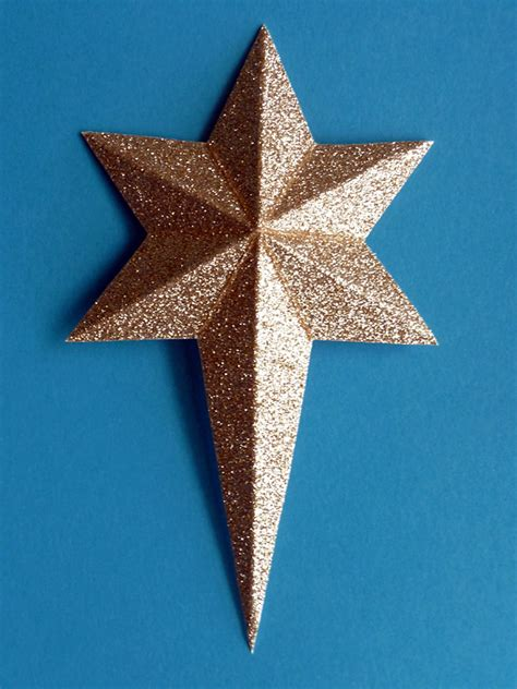 stin along with heidi making the 3 d six sided star