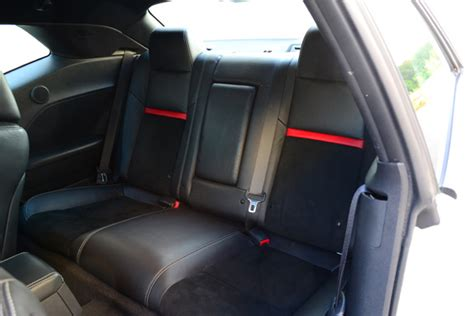 challenger back seat 100 cars 187 dodge challenger srt8 392