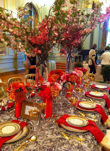 silver tablescapes gold red silver parties