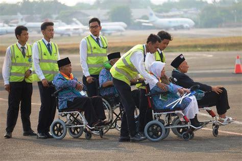 Kursi Haji 2018 jamaah haji dihimbau untuk hati hati memilih jasa kursi roda di masjidil haram esq tours travel