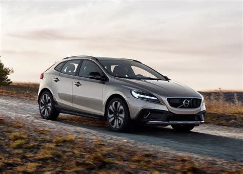 review  volvo  cross country review