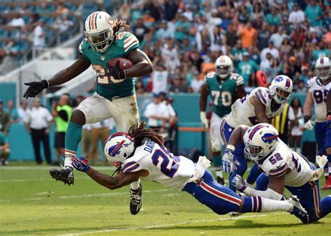Miami's Jay Ajayi rushes to record against Bills | Toronto ... J Ajayi Dolphins